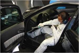 Fahrzeuginnenraum- & Motorraumreinigung mit Trockeneis