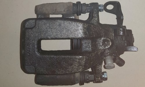 Sandstrahlen Aufarbeitung von Fahrzeugteilen 1