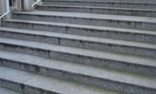 Steintreppe reinigen