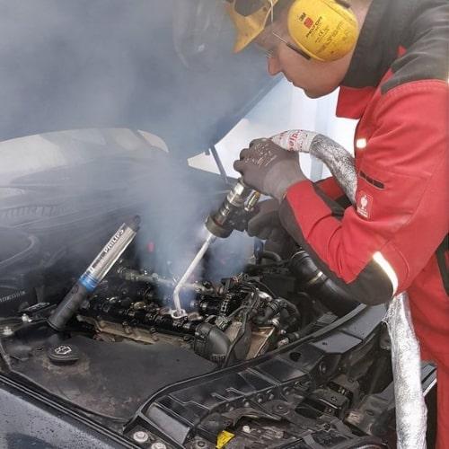 Trockeneisreinigung im Automobilbereich Kontakt